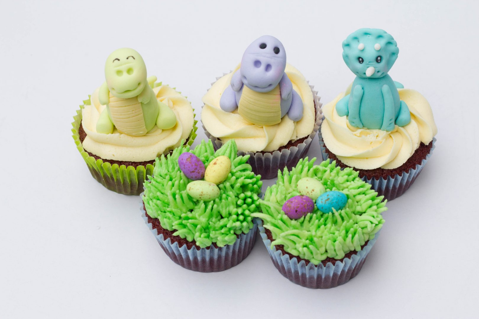 Dinosaur themed cupcakes cupcake kitchen for Cupcake themed kitchen ideas